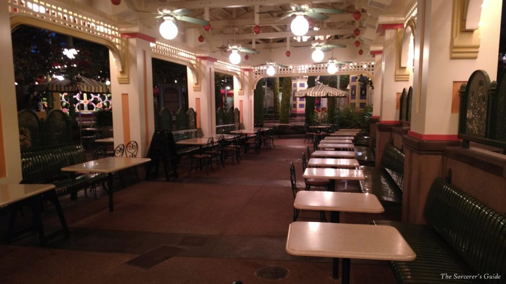Boardwalk Pizza and Pasta Seating Area